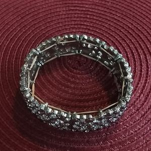 🌵 3 For $20 Stretch band silver sparkly bracelet
